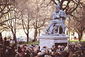 new statue of James Clerk Maxwell